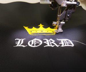 вышивка логотипа Лорд на машинке ЧПУ